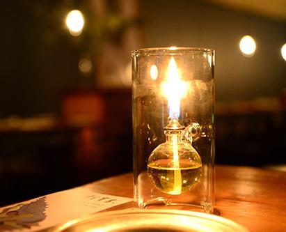 雰囲気を作るランプの灯り